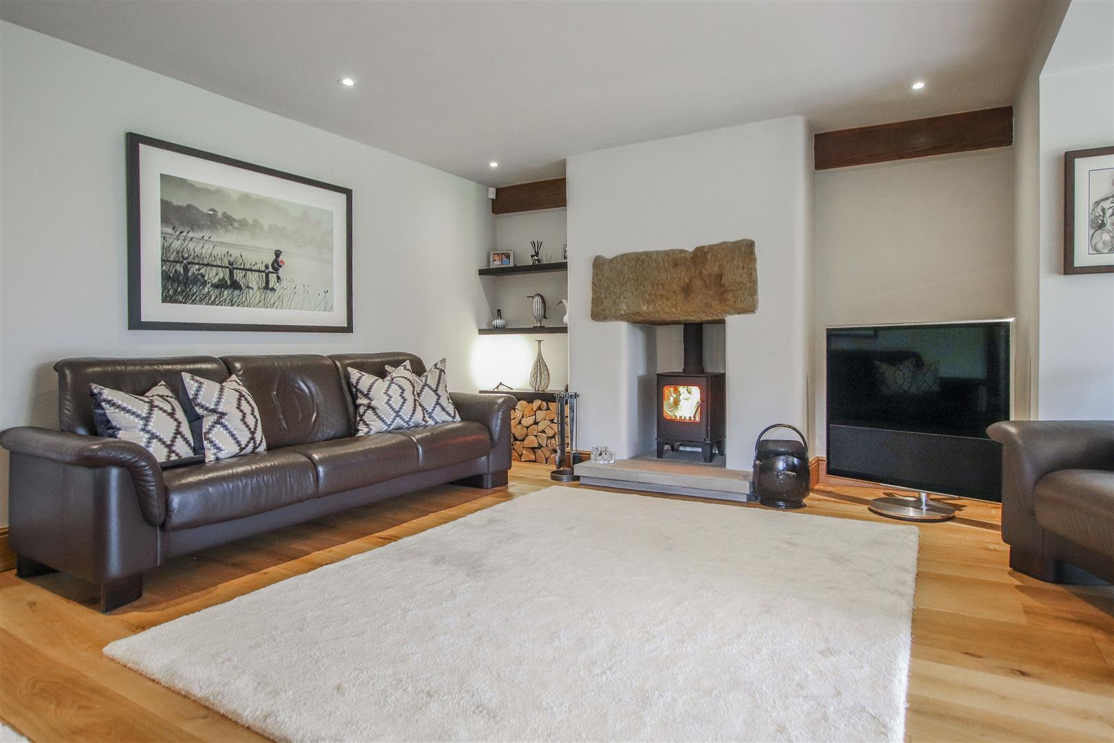 5 Bedroom Semi-detached House For Sale - 42.JPG